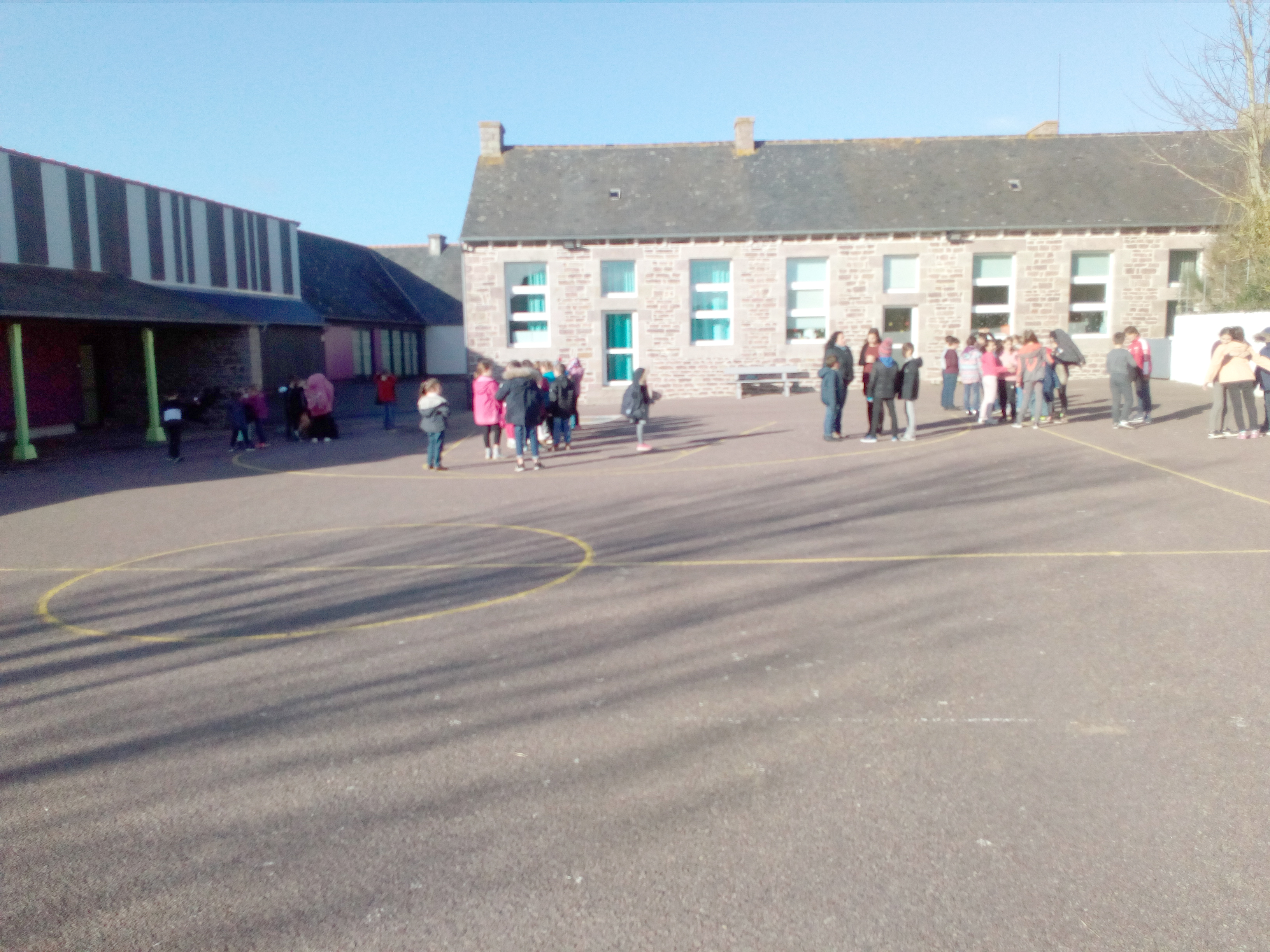 école extérieur1.jpg