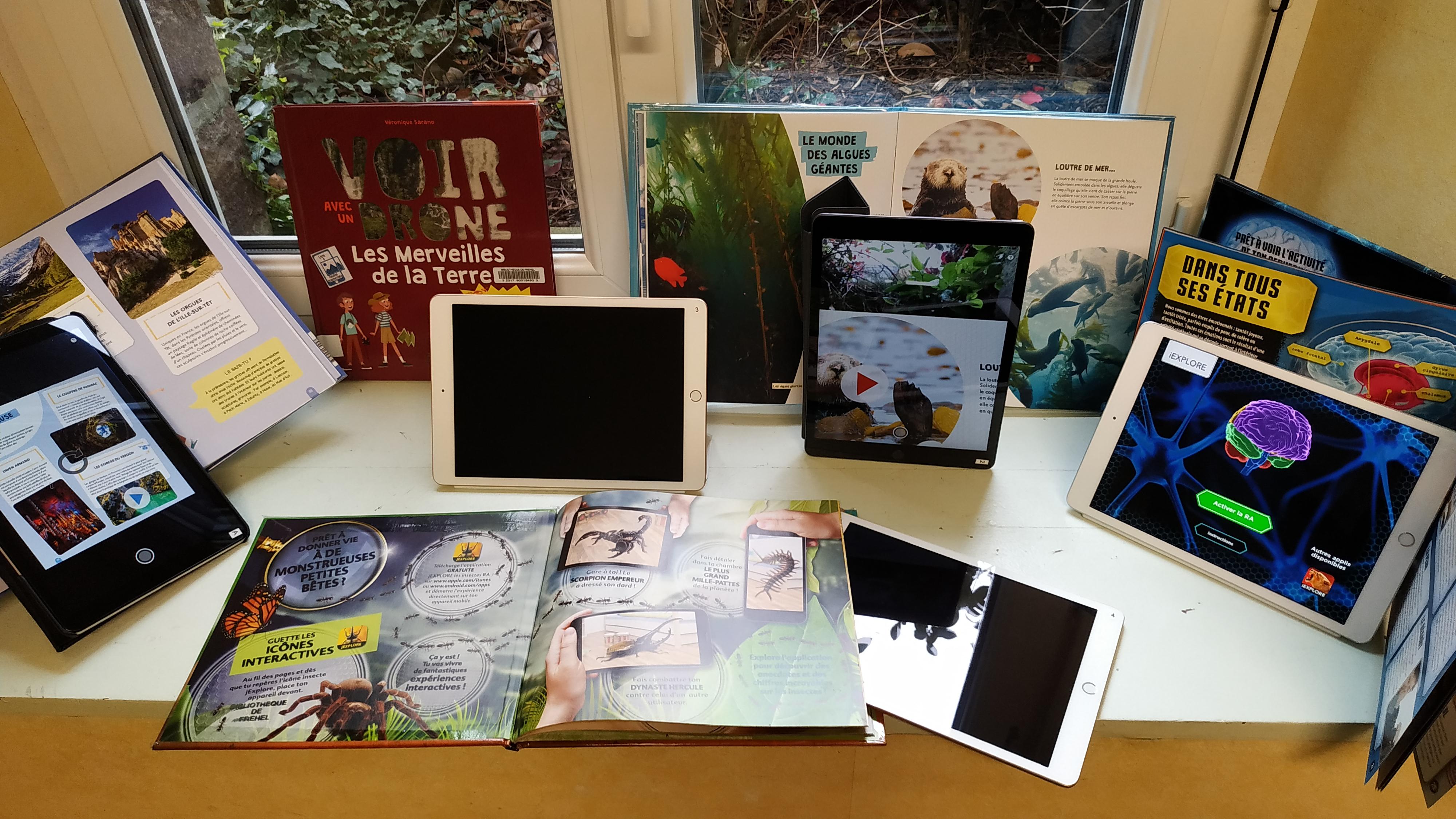 tablettes et documentaires en réalité augmentée.jpg
