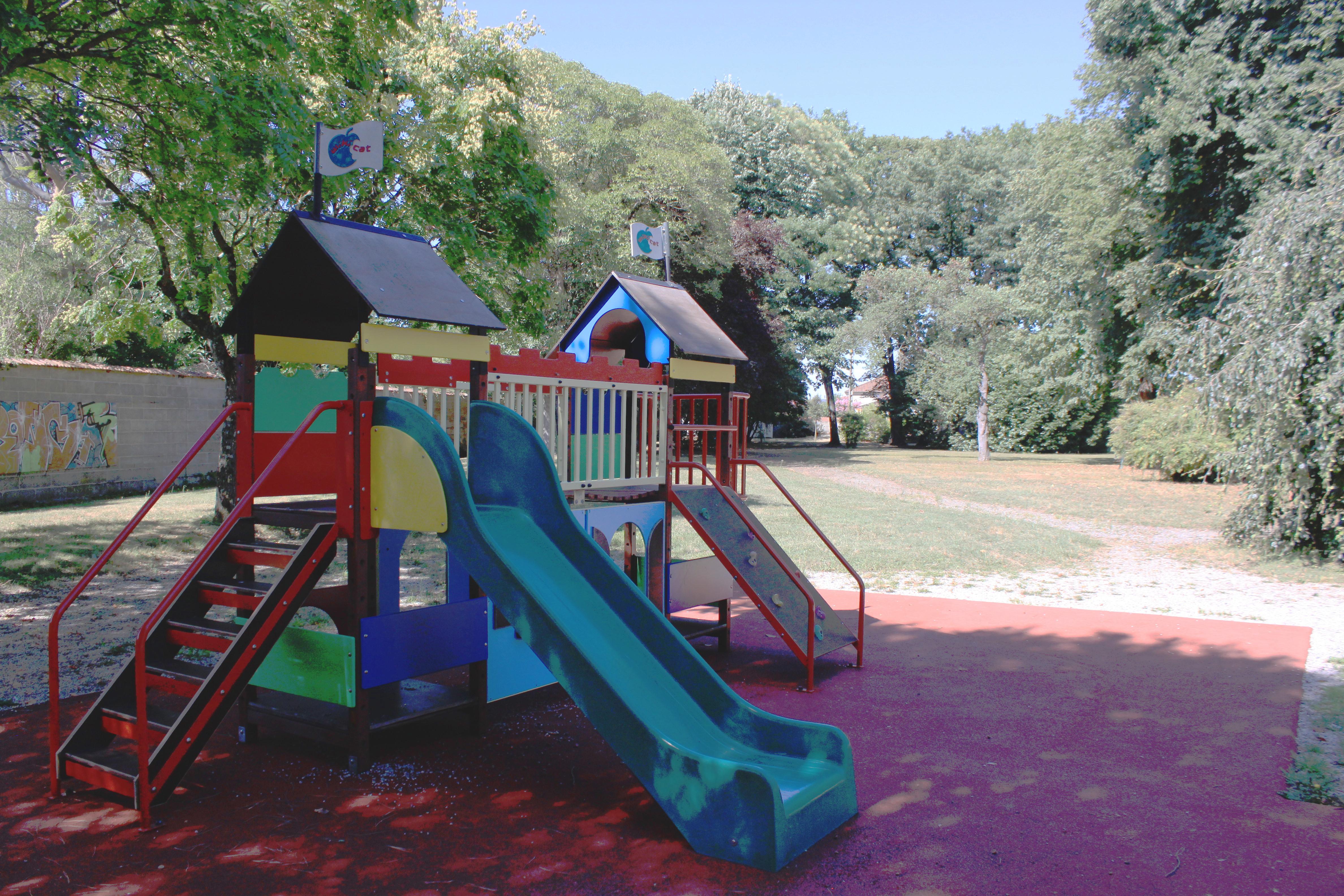 Parc de l_ECLA 1.JPG