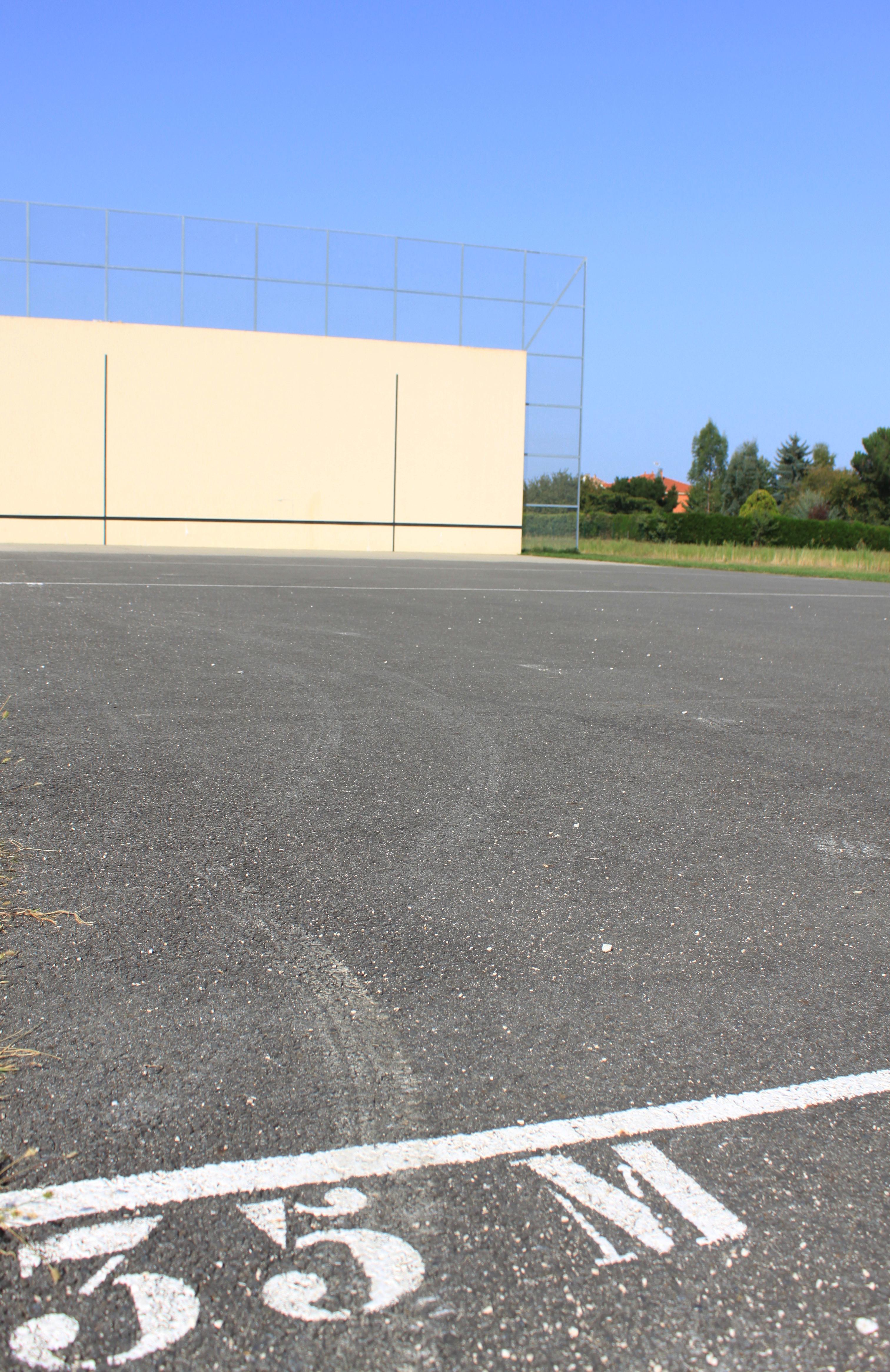 terrain pelote EMSA 2.JPG