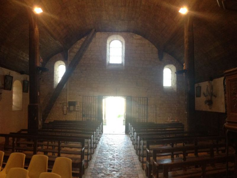 Eglise intérieur.jpg