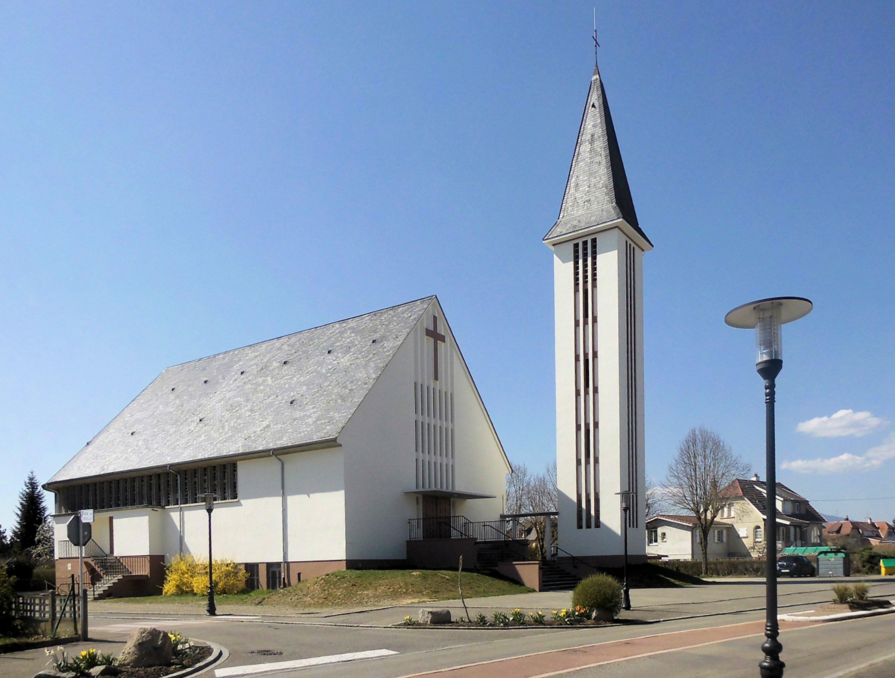 Richwiller,_Église_Christ-Roi_2.jpg