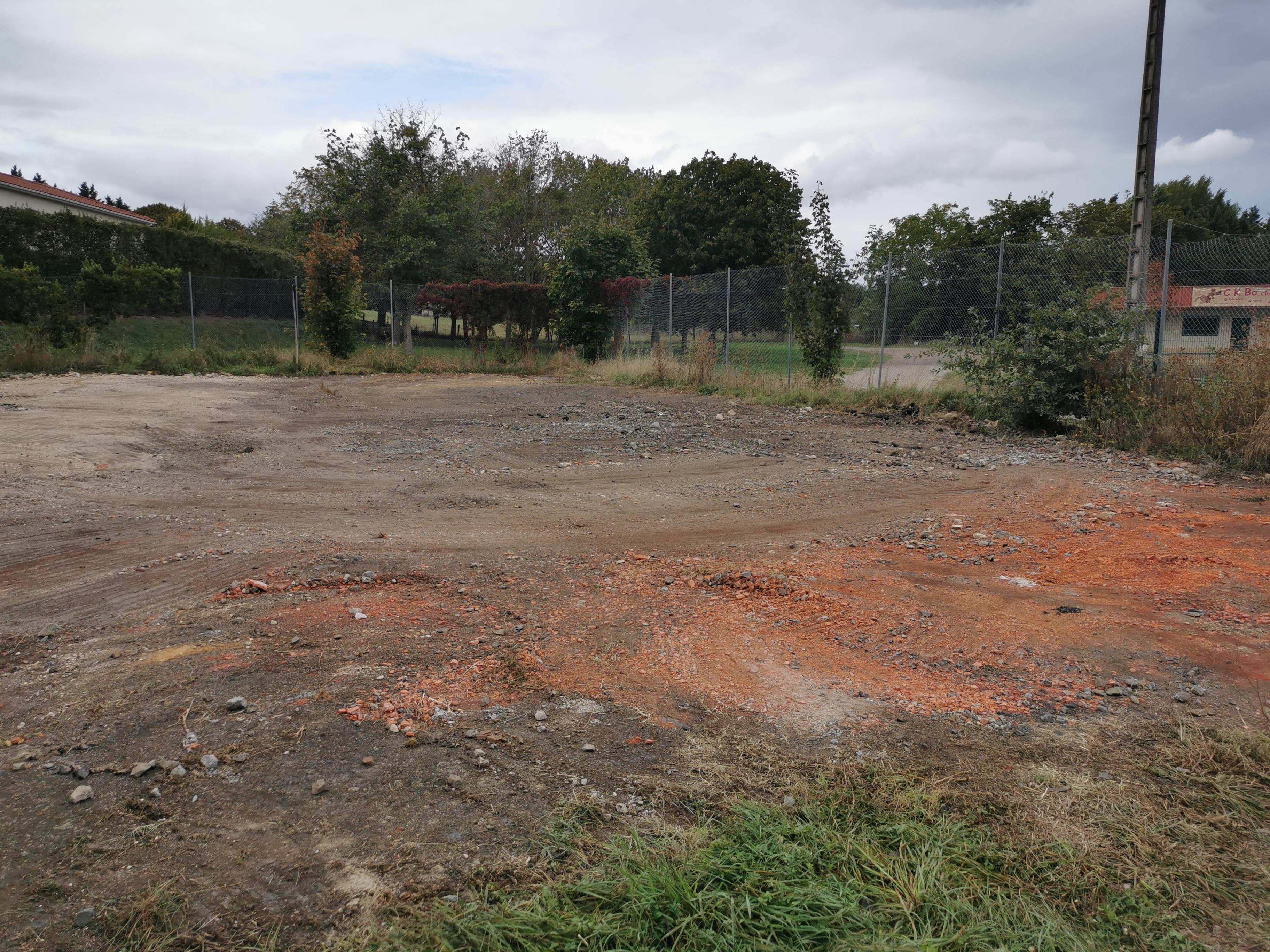 terrain tennis 24 sept.jpg
