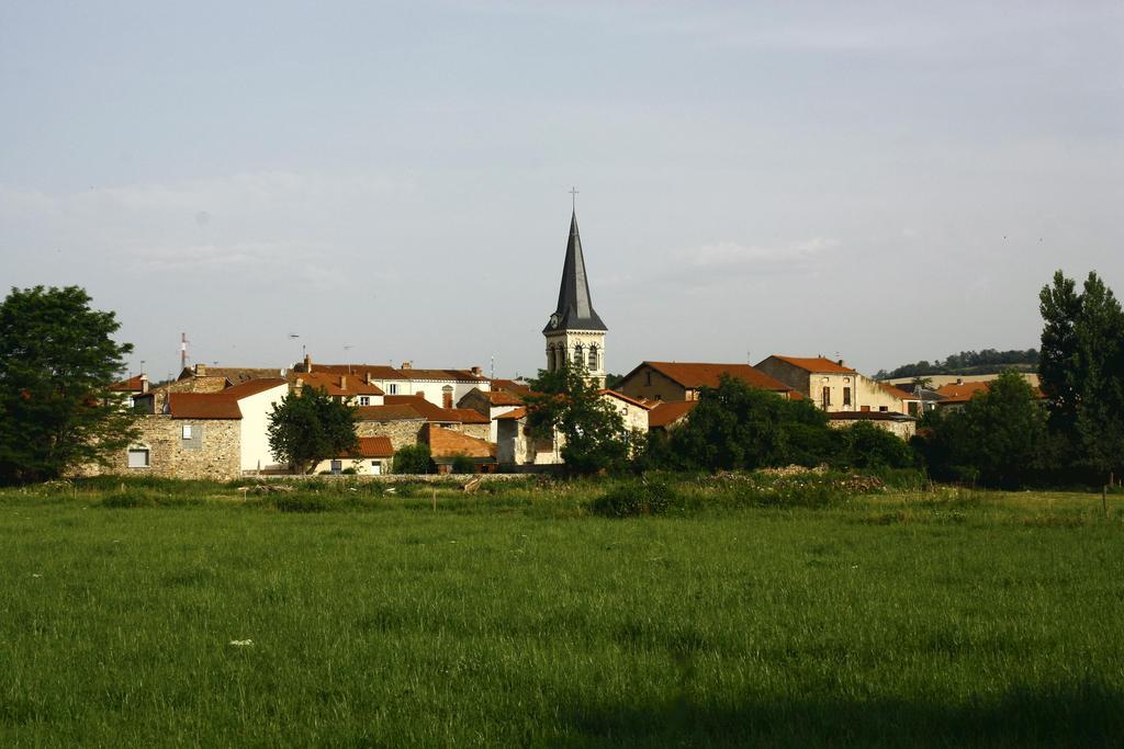 Le-Breuil-sur-Couze_55546_Le-village-du-Breuil-s-Couze.jpg