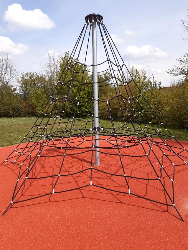 2021-05-03 - Jeu de l_araignée 1.jpg