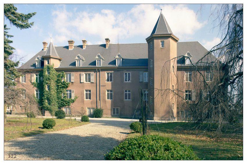 3-Chateau.jpg
