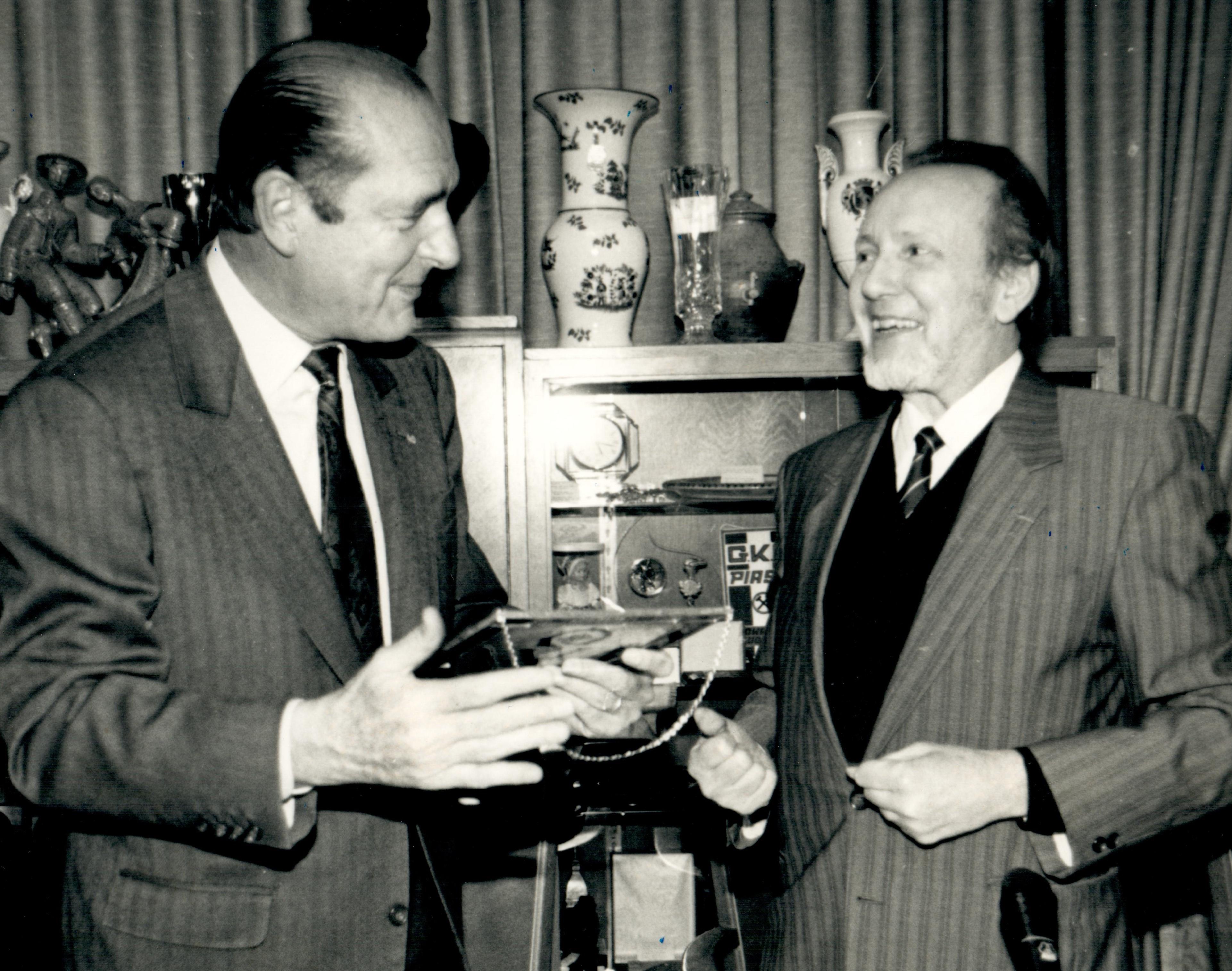 1992-12-02 - René ARNOLD - accueil de Jacques CHIRAC - Maire de Paris.jpg