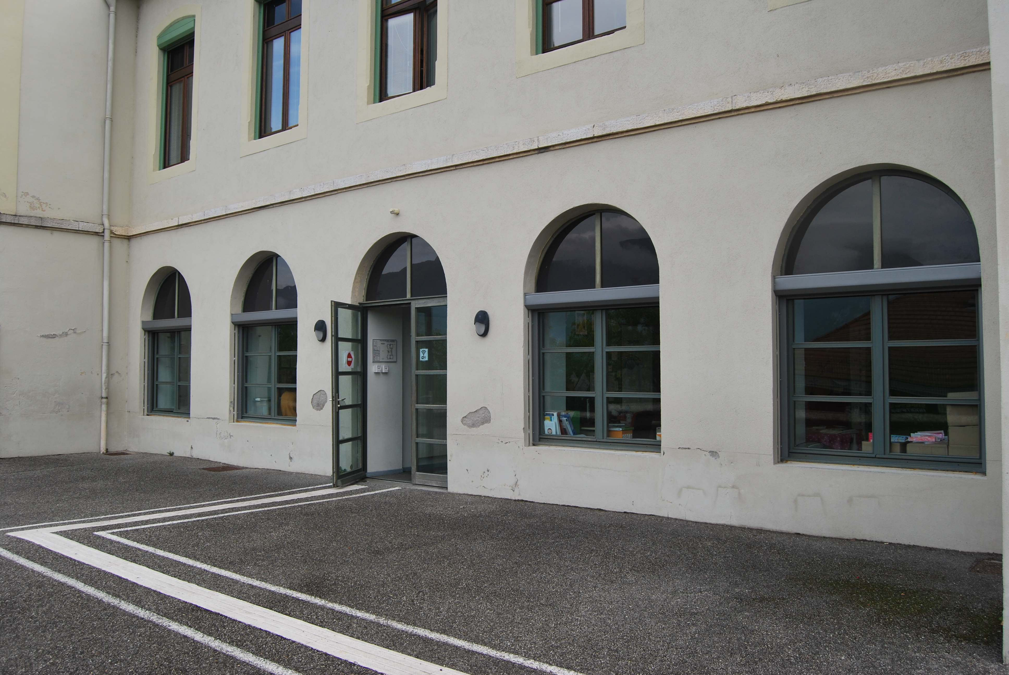 Ecole primaire.JPG