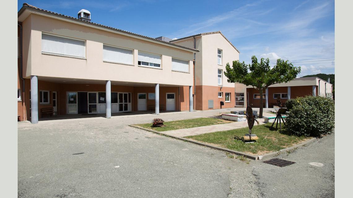 Lycée Val de Drôme cour.jpg