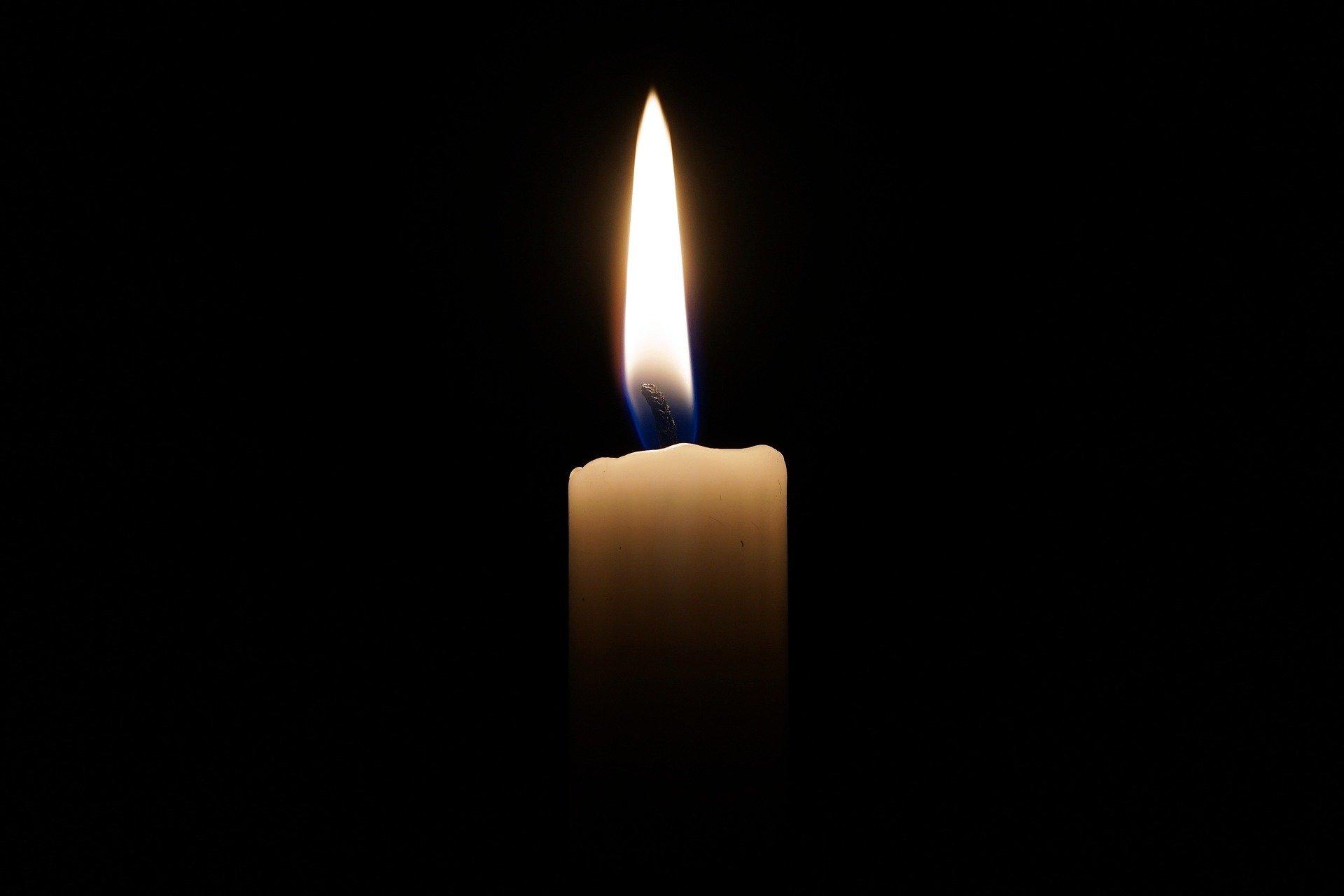 décès _ candle-2038736_1920.jpg