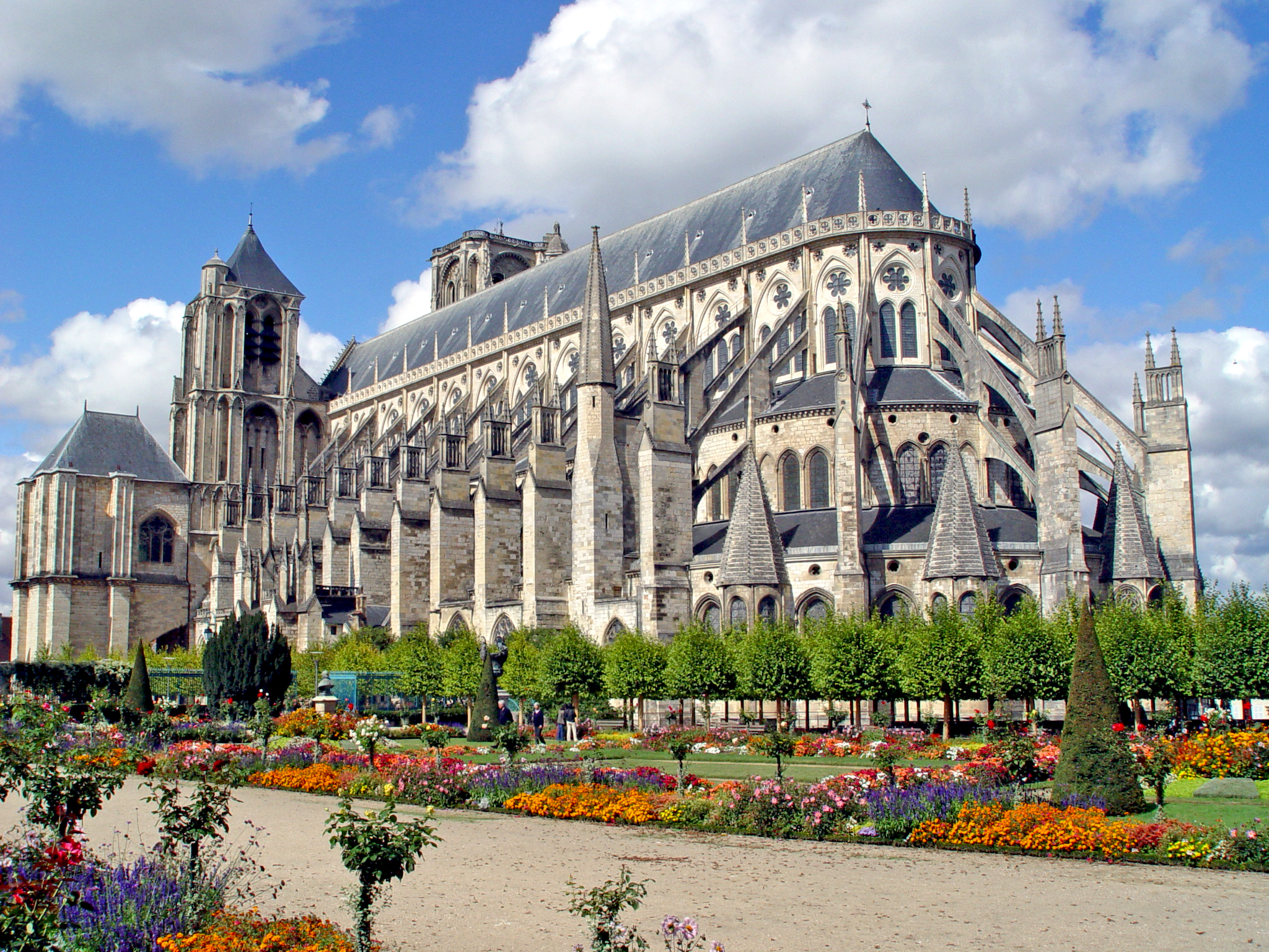 Bourges-Cathedral-by-Renaud-MAVRÉ-public-domain-from-Wikimedia-Commons.jpg