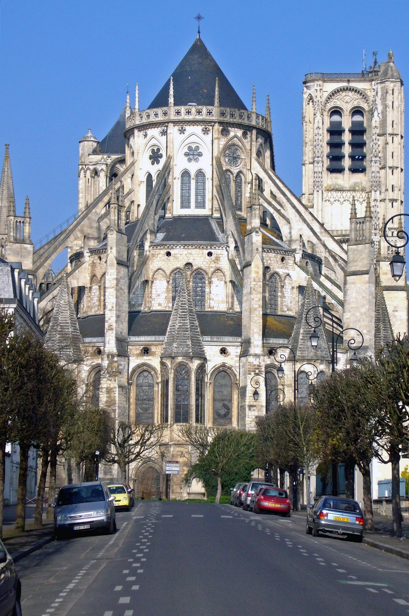 cathedrale-Bourges-2.jpg