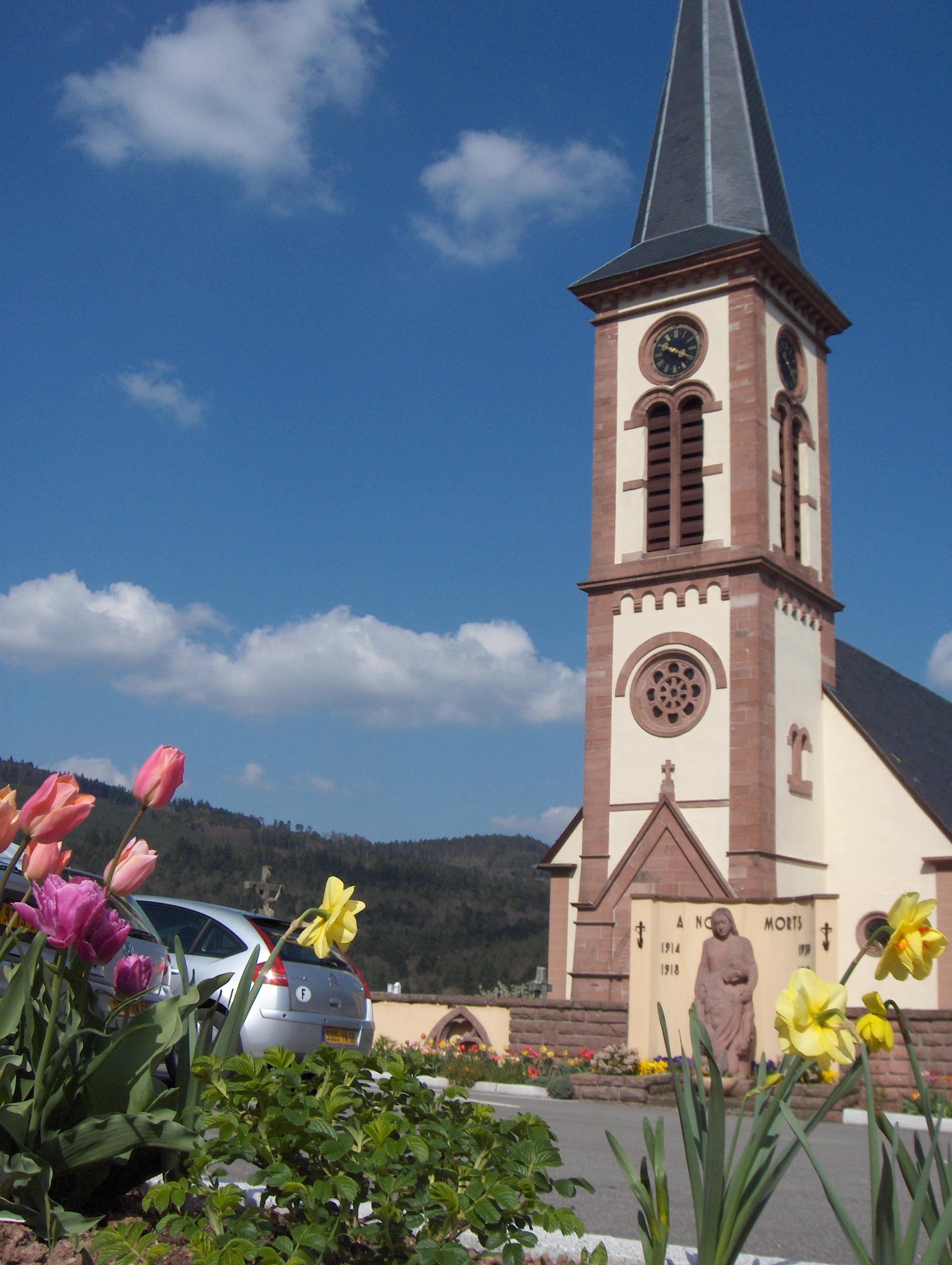 place de l_église fleurie _photo Pascal Bosshardt_.jpg