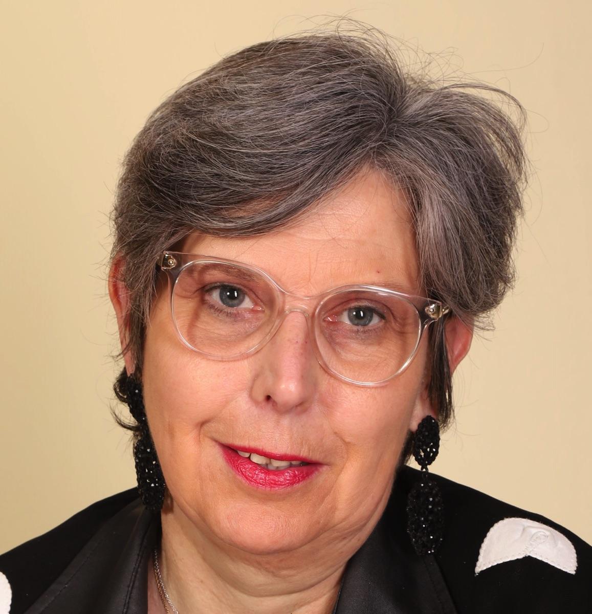 6 Françoise VAN CANNEYT Resized.jpg