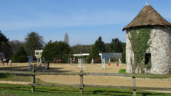 Poney club du Genetey.jpg