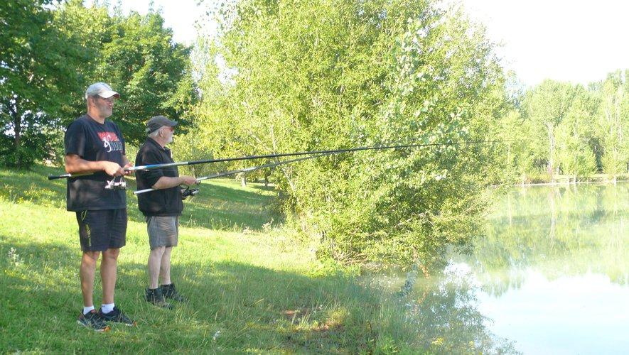 Le parc de la Lère et ses lacs attirent les pêcheurs.jpg