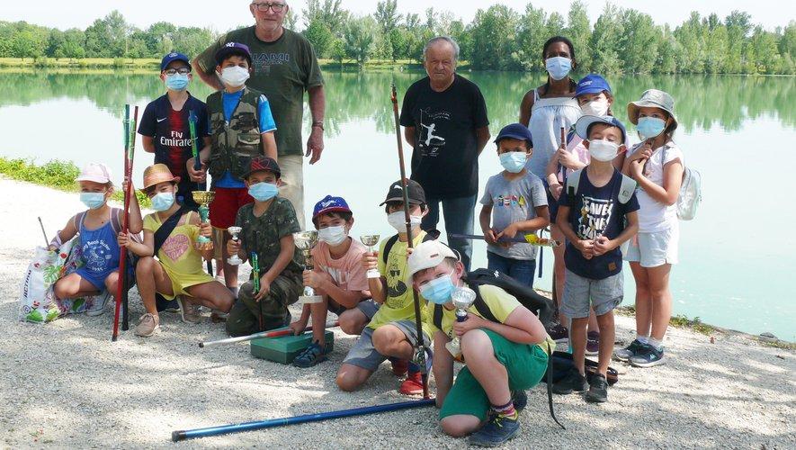 le concours de pêche séduit les jeunes enfants.jpg
