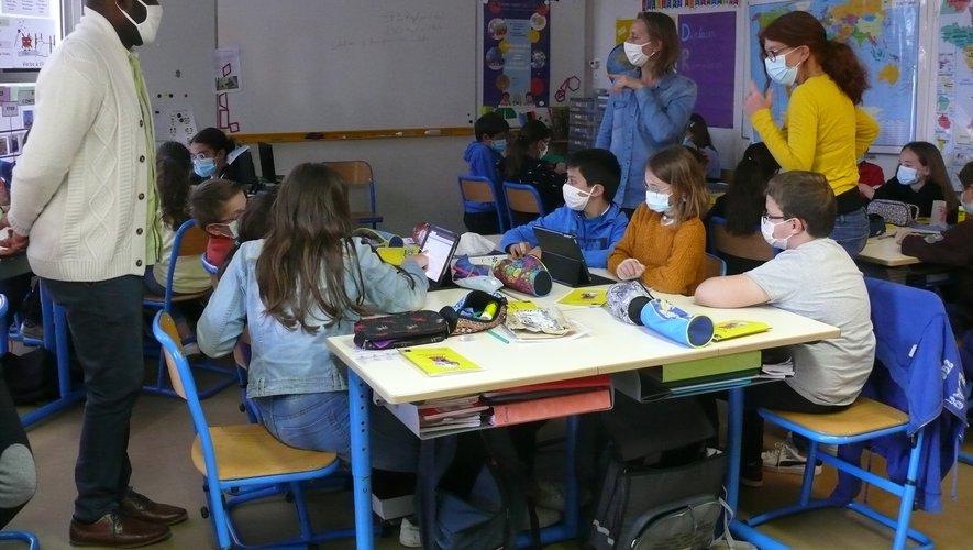 Les écoliers de Monteils offrent une seconde vie à nos déchets2.jpg