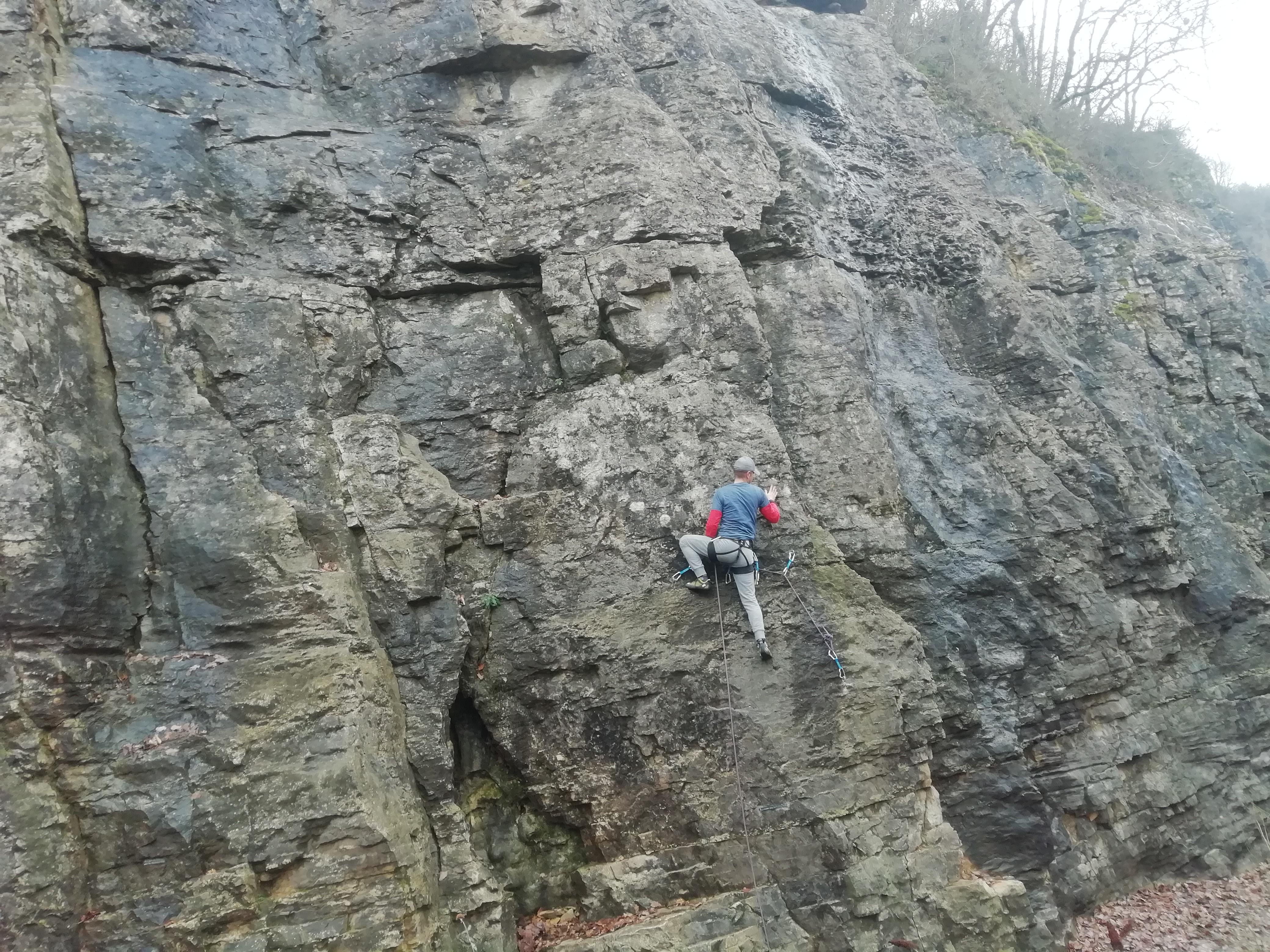 mur d_escalade.jpg
