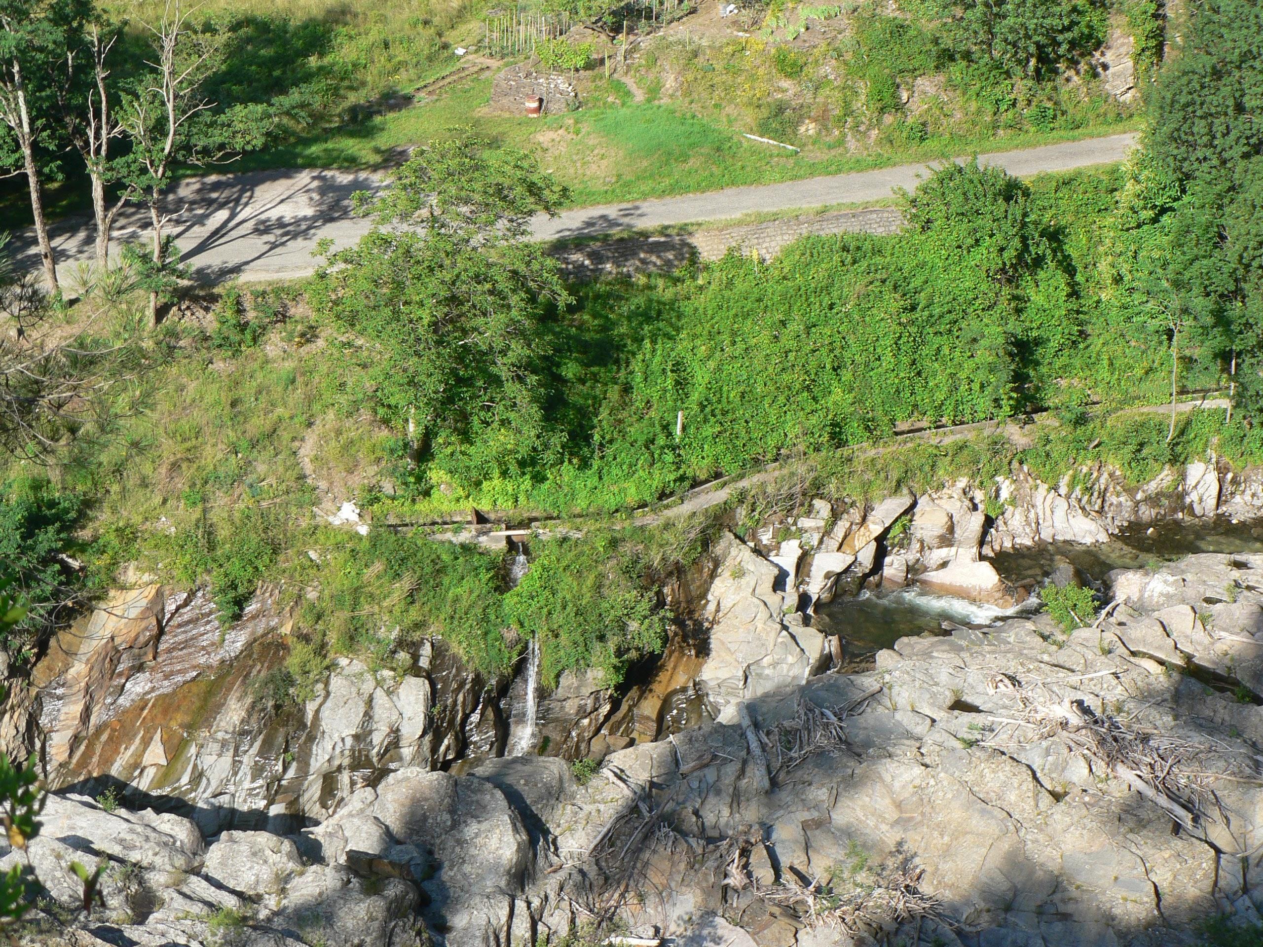 tourrel béal vu de l_autre rive.jpg