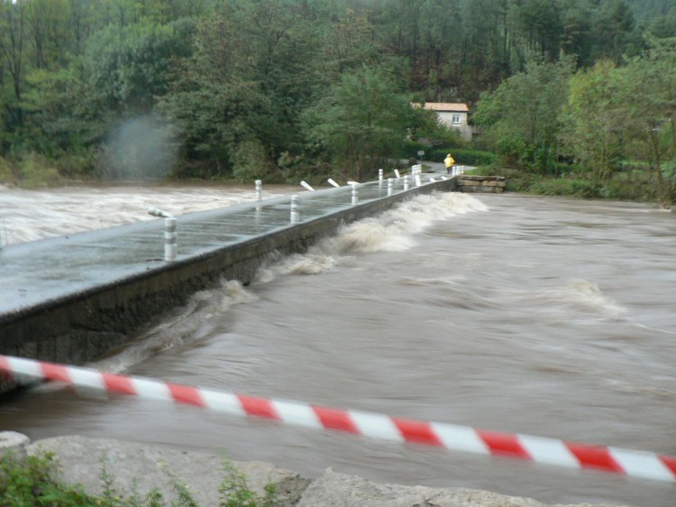 crue 12 octobre 2014 pont des drouilhèdes