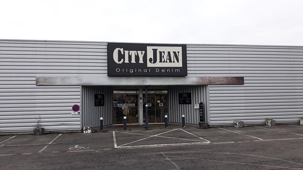 CITY JEAN.jpg