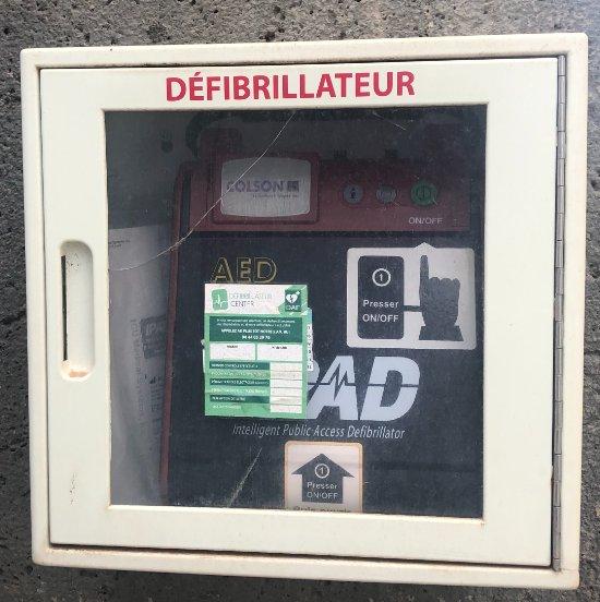 défibrillateur 2.jpg