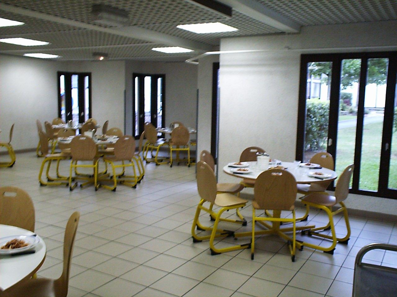 Restaurant scolaire01.jpg