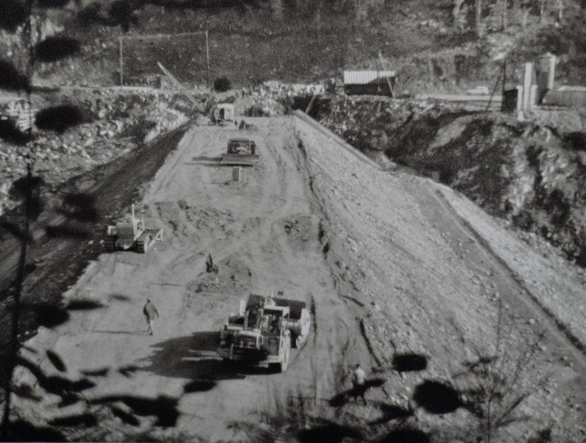 construction haut de la digue