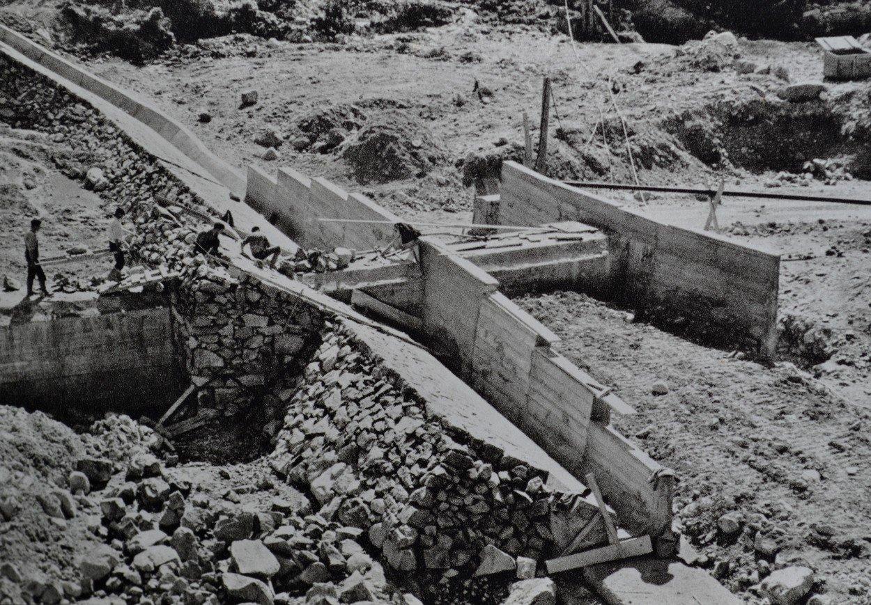 construction base de la digue