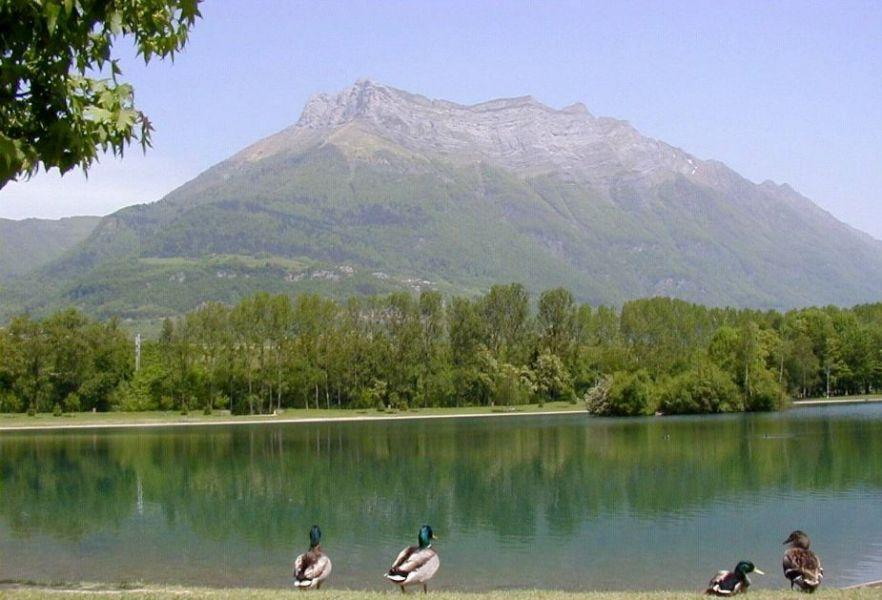 lac-de-carouge-1.jpg