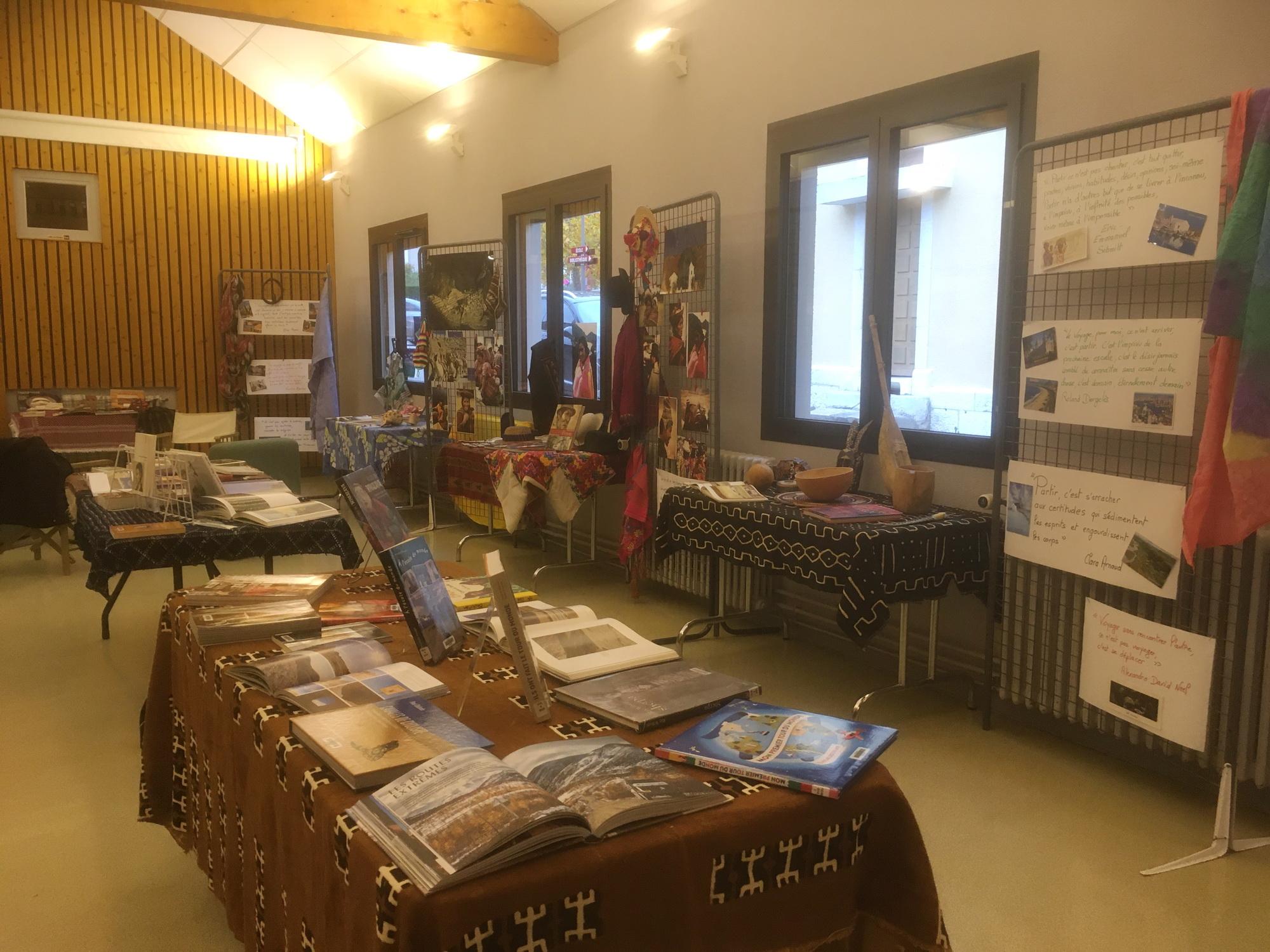 BIBLIO EXPO.JPG