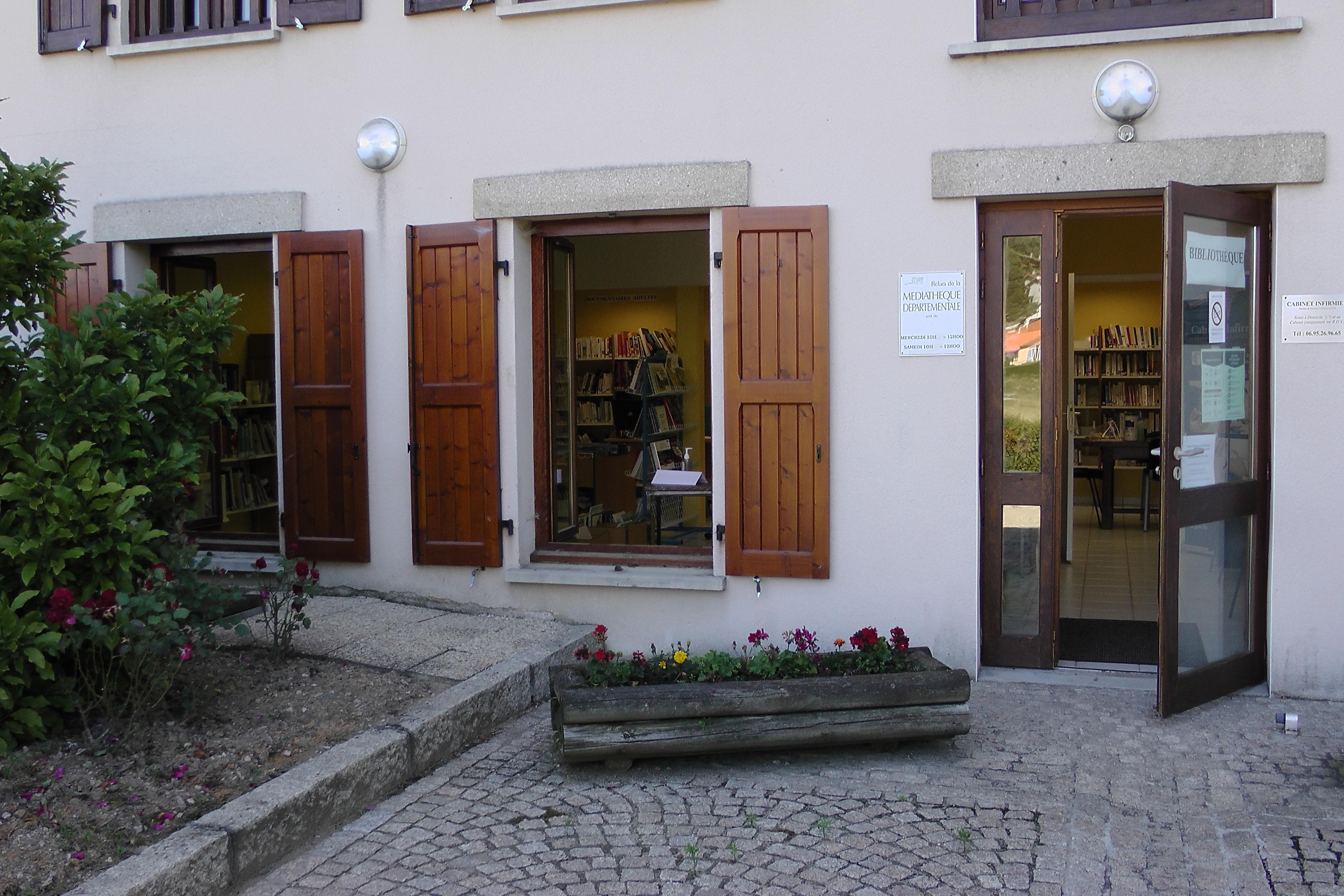 entree_bibliotheque.jpg