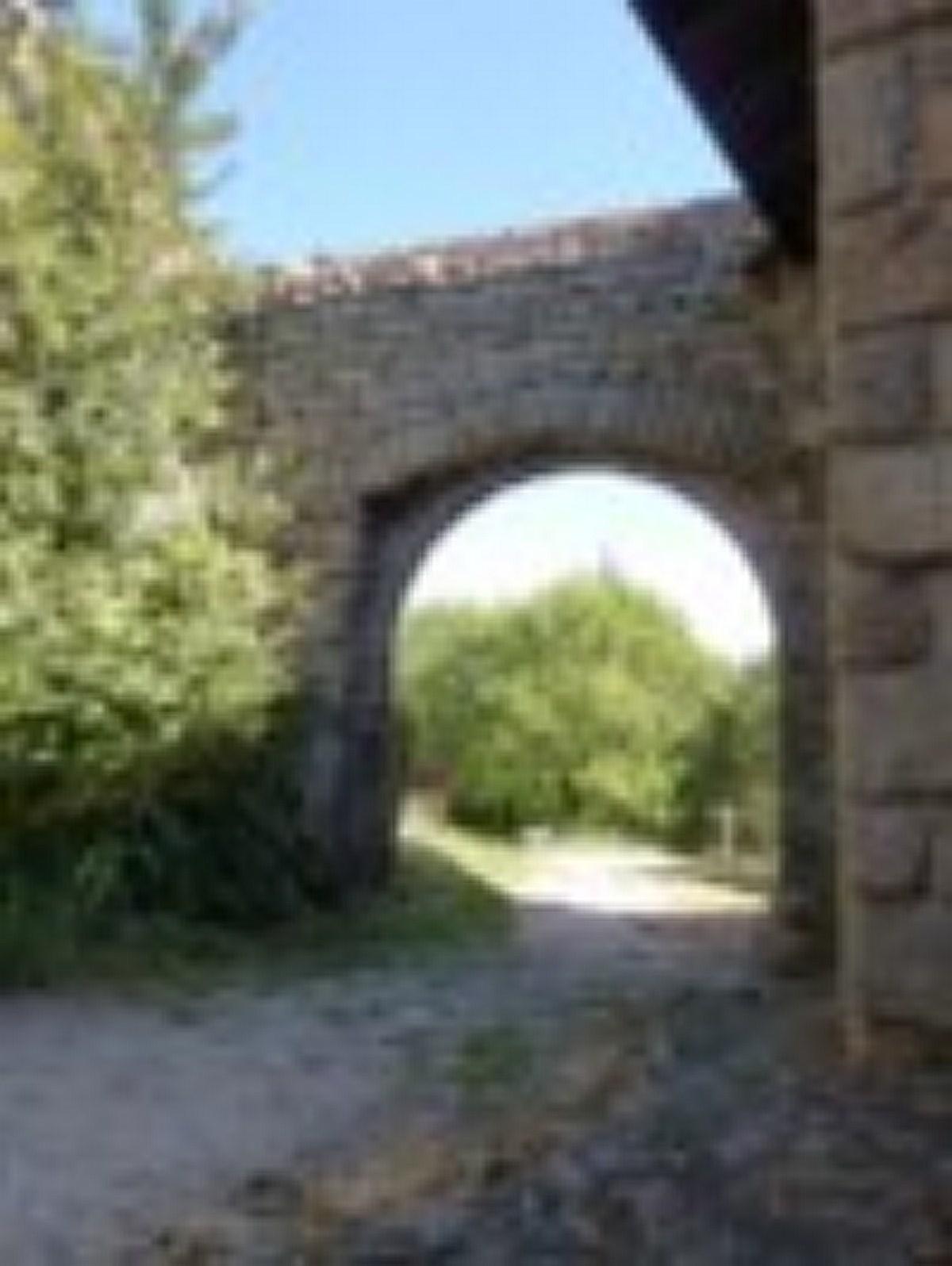 Pas d'illustration. voilà la porte nord construite plus tard
