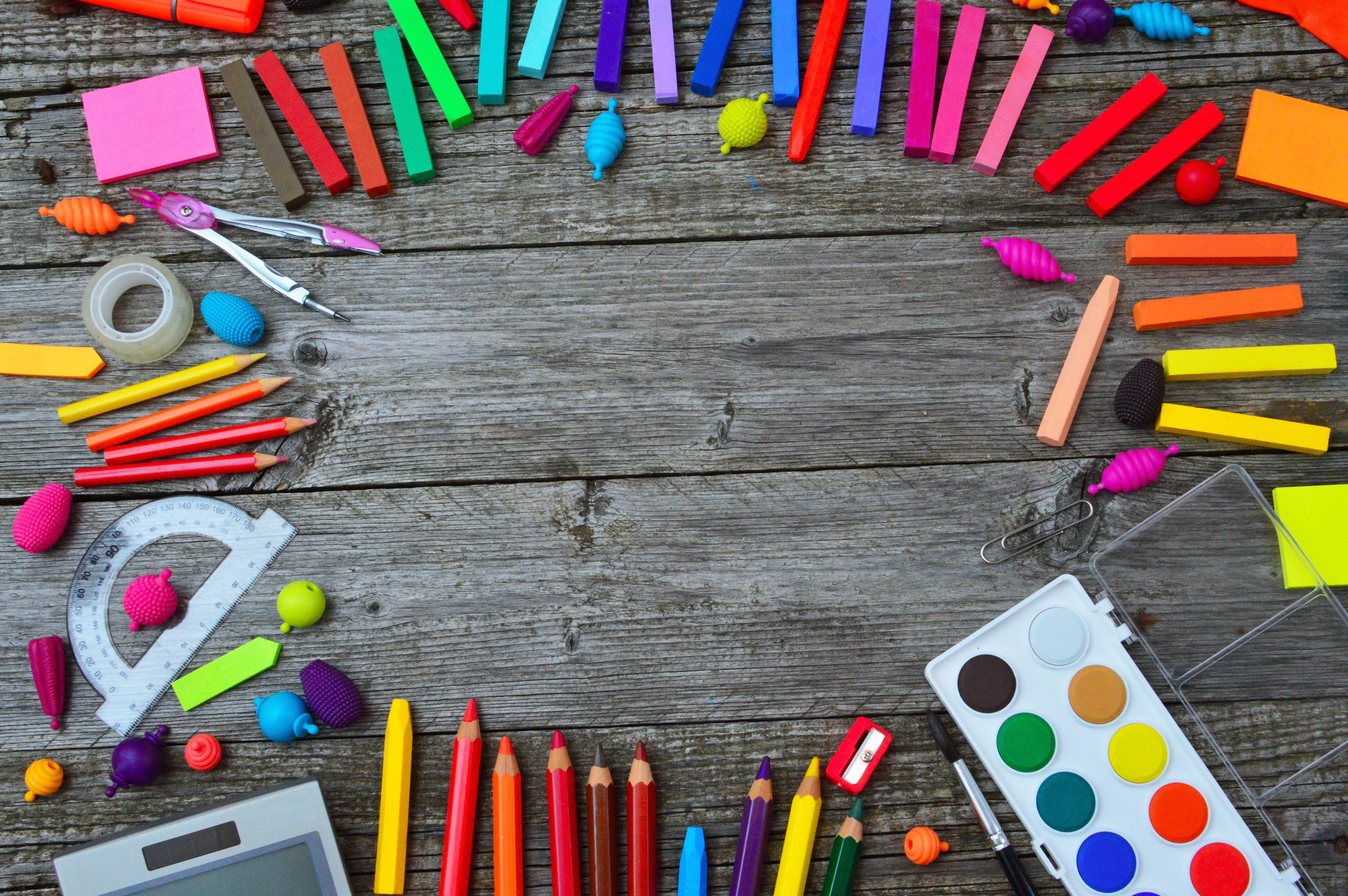 enfant-ecole-accessoires-articles-scolaires-fournitures.jpg