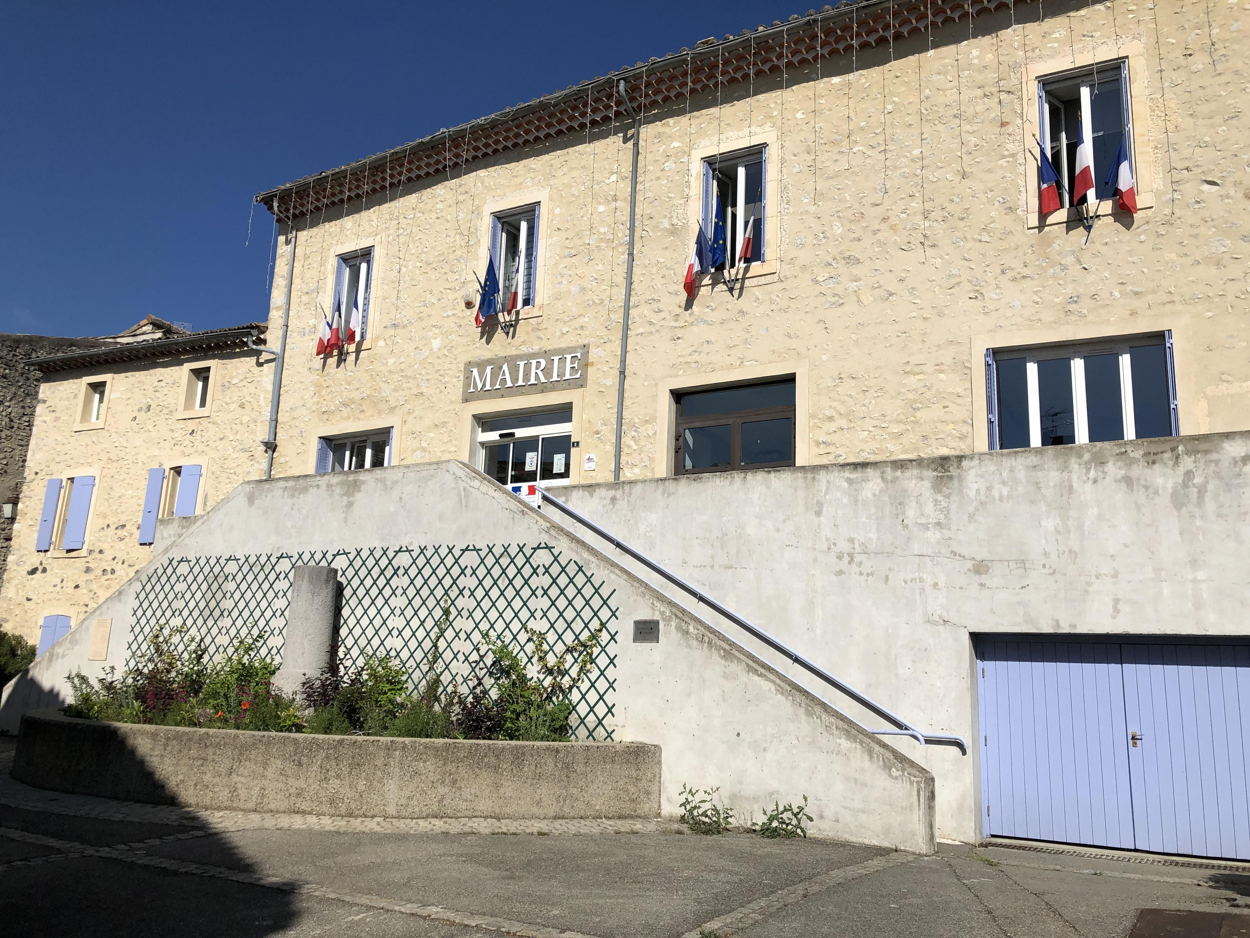 Mairie rochemaure.JPG