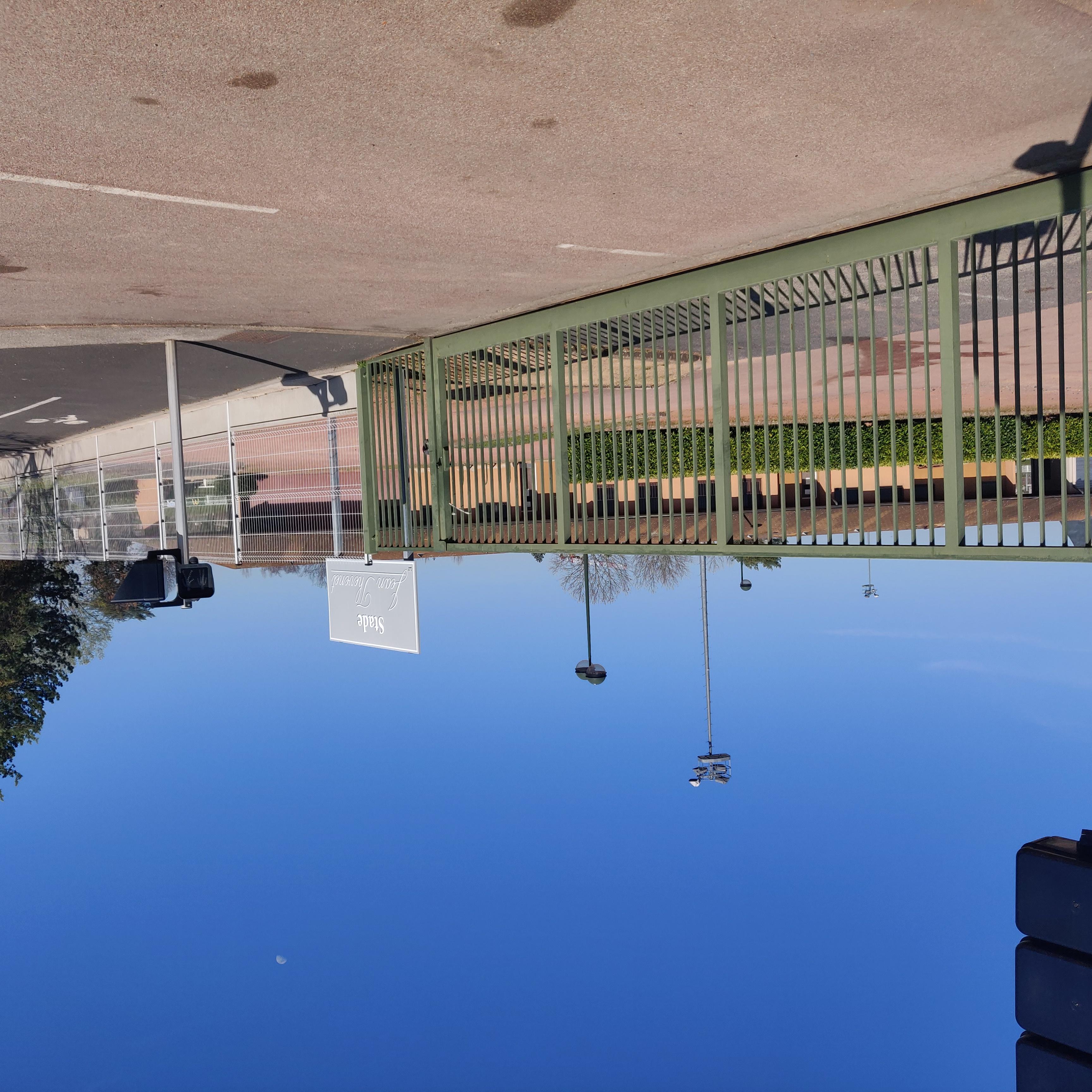 Batiments communaux - stade jean thevenet 2021.jpg