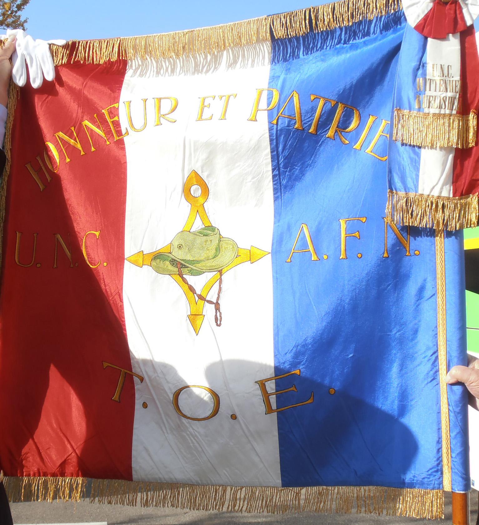 UNC drapeau.jpg