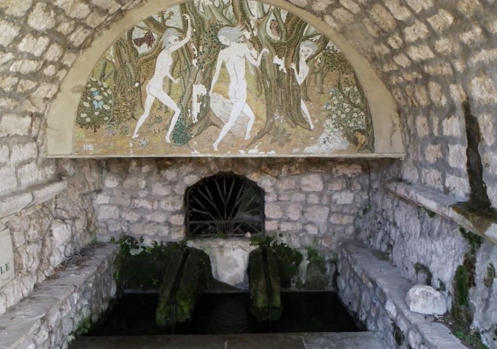 LGA - SITE - Fontaine des Nymphes.JPG