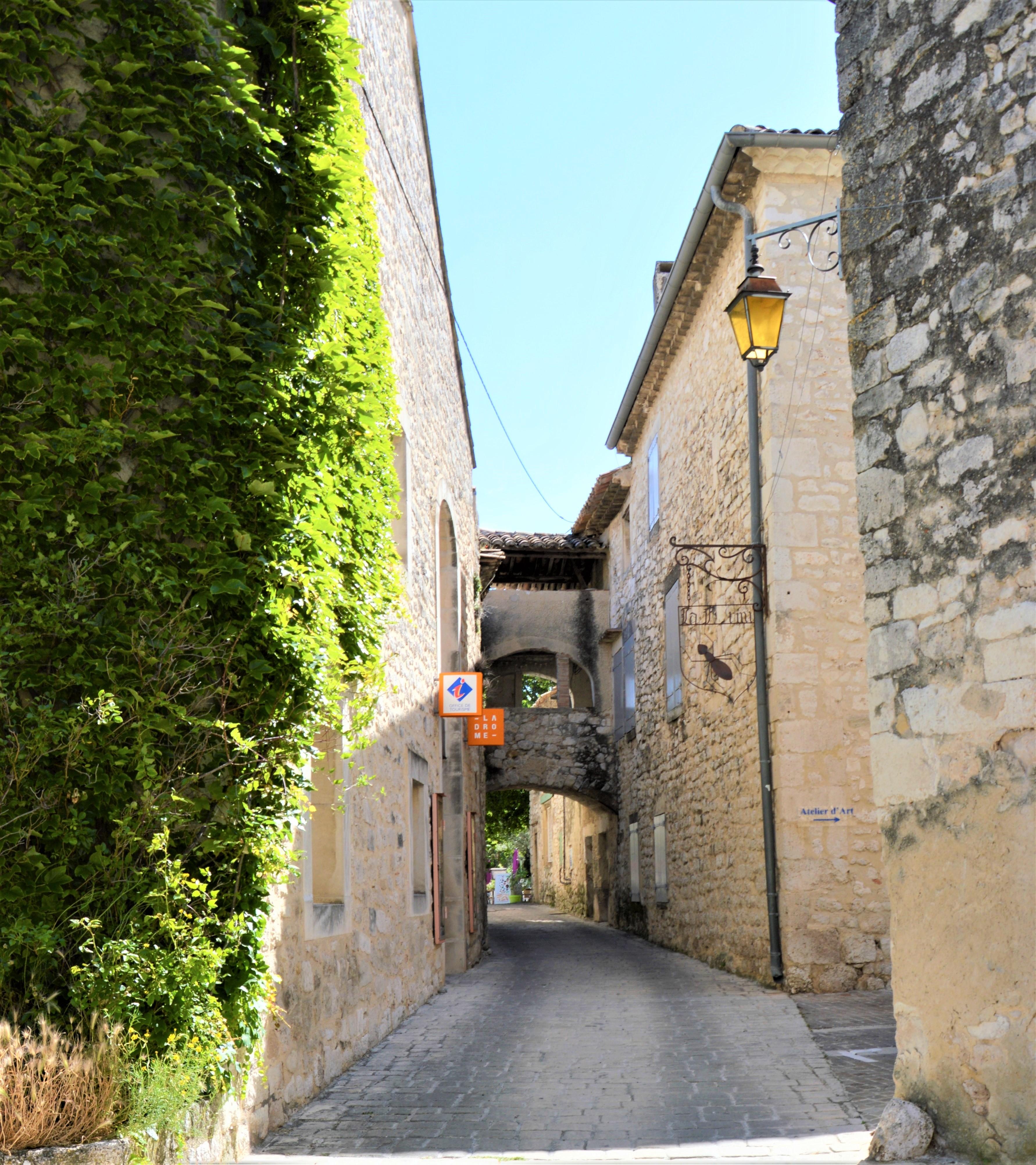 LGA - Syl R - 2018 - OTI village ruelles _8_.JPG