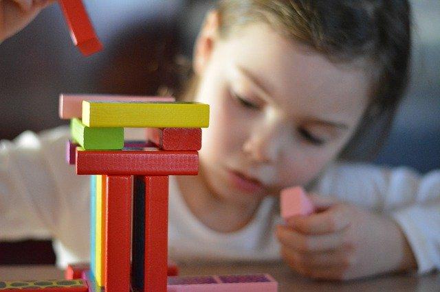 LGA - enfance et jeunesse - centre aere fIllette.jpg