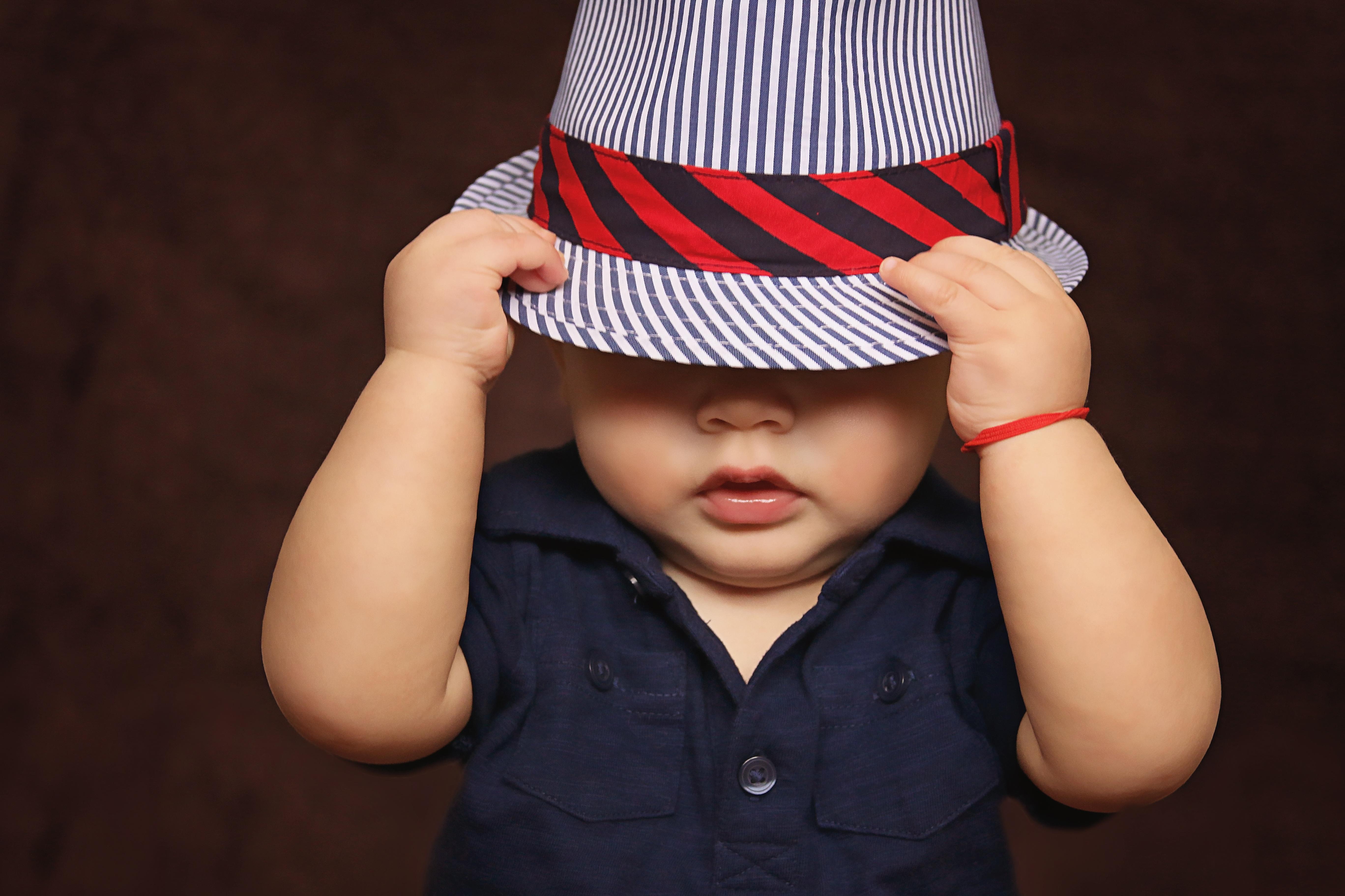 LGA - Enfance et jeunesse - gars bébé chapeau _1_.jpg