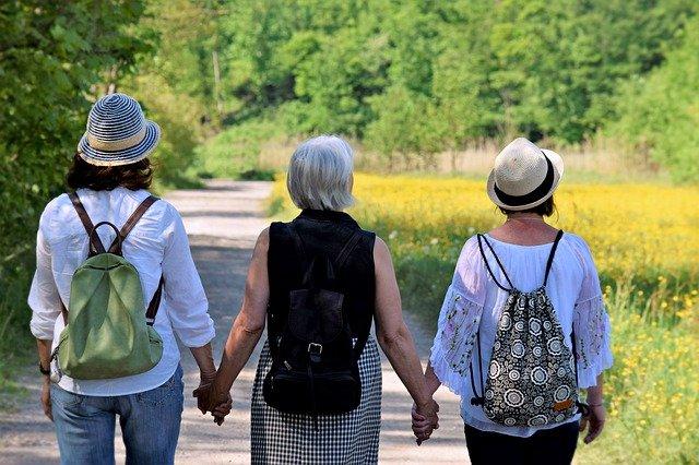 LGA - Femmes marchant sport.jpg