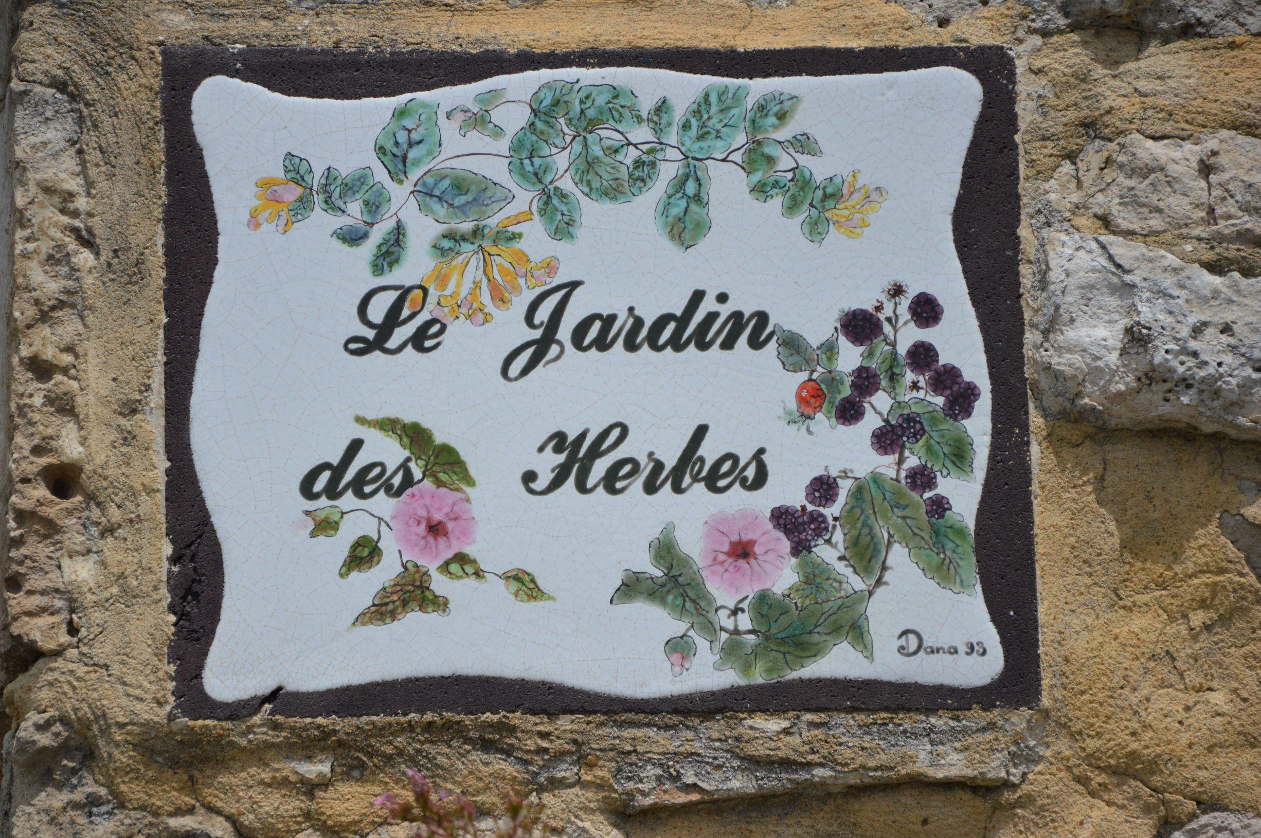 LGA - Syl R - 2014 - OTI jardin des herbes _3_ reduit.JPG