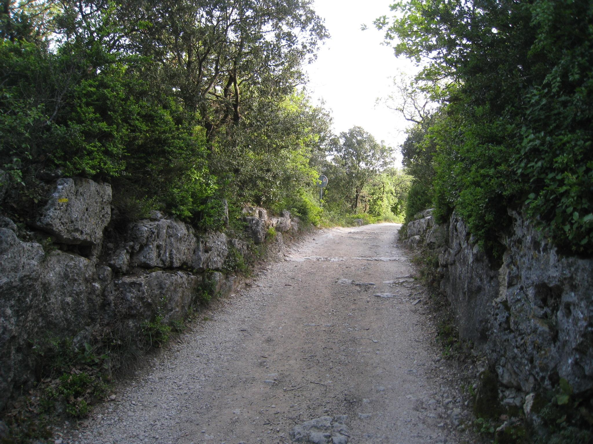 LGA - Chemin des Rochettes.JPG