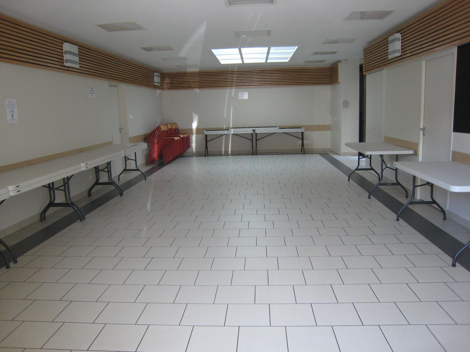 Salle des charmilles.JPG