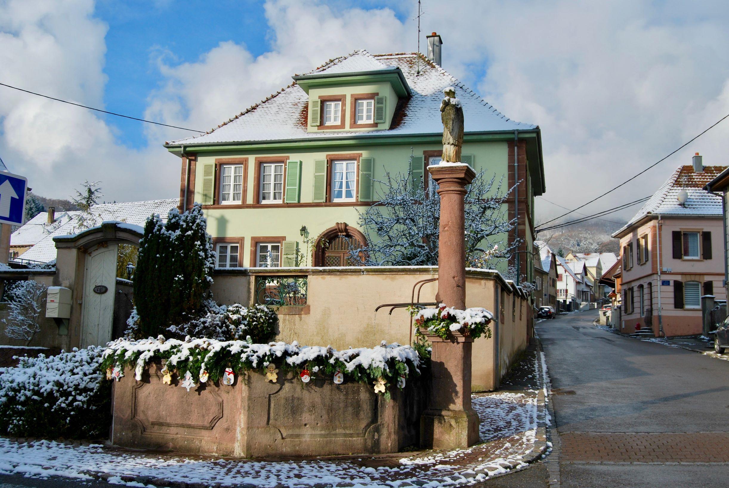 Presbytère sous la neige.jpg