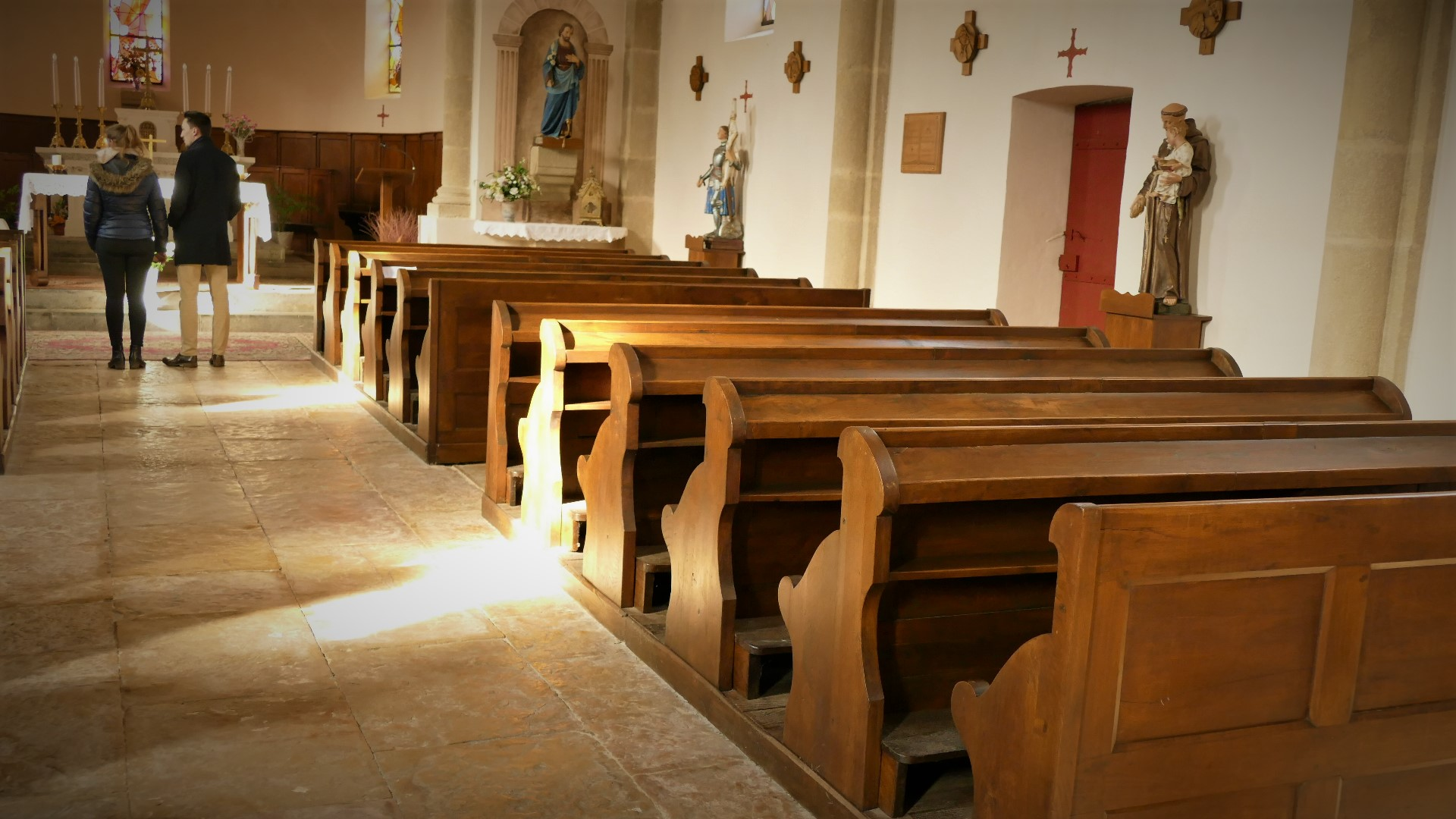 B3 église intérieur.jpg