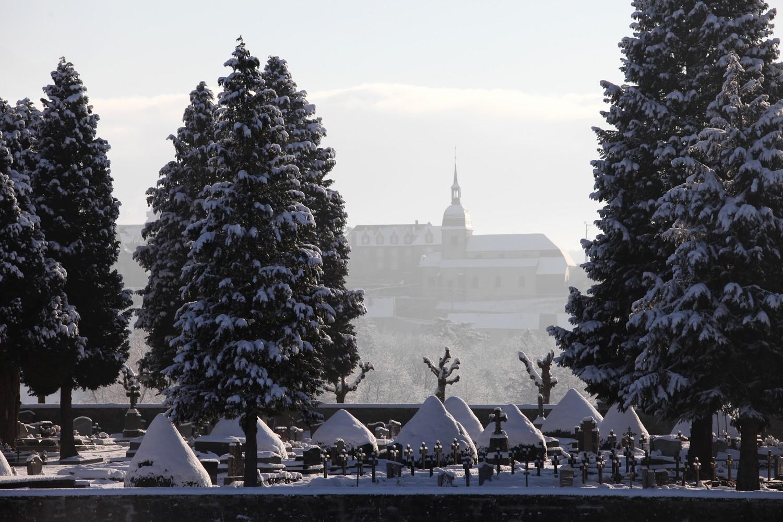 cimetière - neige.JPG