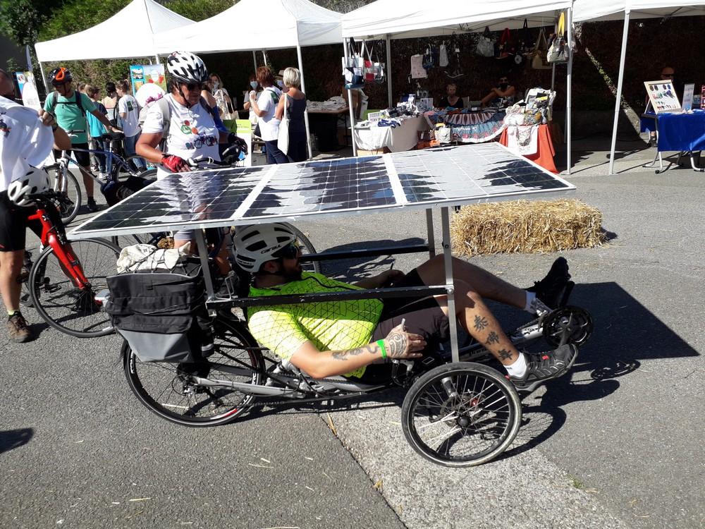 slow up - vélo photovoltaique.jpg